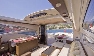 Minx yacht charter Azimut Motor Yacht