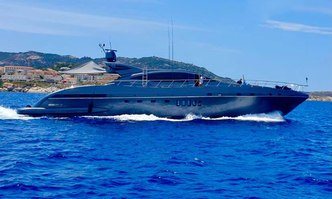 Revella yacht charter Overmarine Motor Yacht