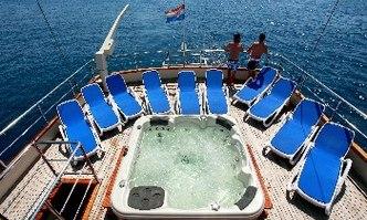 Luna yacht charter Custom Motor/Sailer Yacht