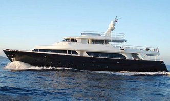 Lady Soul yacht charter Custom Line Motor Yacht