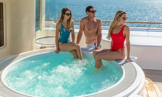 Laurel yacht charter Delta Marine Motor Yacht
