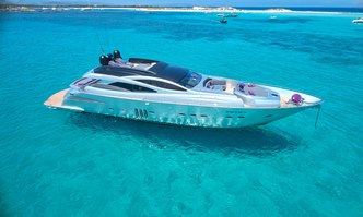 Shalimar II yacht charter Pershing Motor Yacht