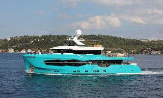 Zarania yacht charter Numarine Motor Yacht