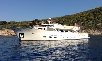 Conquest of 1966 yacht charter Custom Motor Yacht