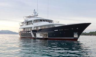 Robbie Bobby yacht charter Lynx Yachts Motor Yacht