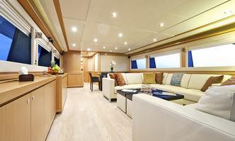 La Pausa yacht charter Ferretti Yachts Motor Yacht