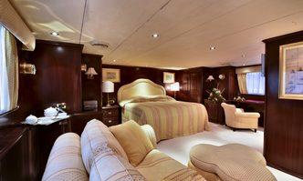 Number Nine yacht charter Carp Navi Motor Yacht