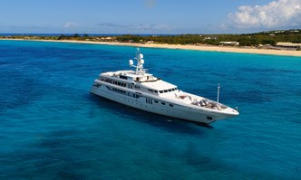 Apogee yacht charter Codecasa Motor Yacht