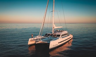 Skimmer yacht charter Two Oceans Marine Motor Yacht