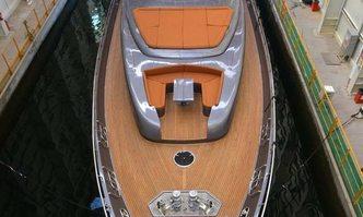 Ginger yacht charter Pershing Motor Yacht