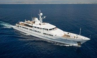 O'Natalina yacht charter Picchiotti Motor Yacht