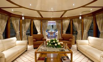 Lou Spirit yacht charter Elsflether Werft Motor Yacht