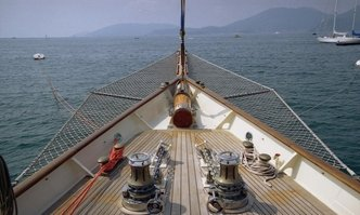 Invader yacht charter Lawley Sail Yacht