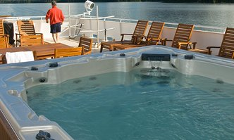 Safari Explorer yacht charter Freeport Shipbuilding Motor Yacht