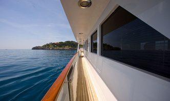 Espinola yacht charter Codecasa Motor Yacht