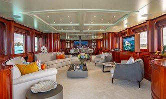 Heaven Can Wait yacht charter Benetti Motor Yacht