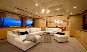 Komokwa yacht charter Horizon Motor Yacht