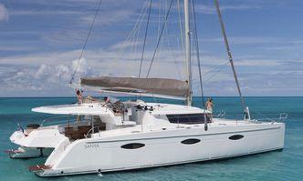 Aoibh yacht charter Fountaine Pajot Motor/Sailer Yacht
