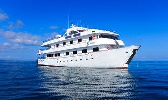 Solaris yacht charter Custom Motor Yacht