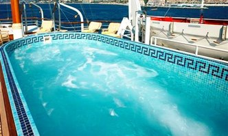 SS Delphine yacht charter Great Lakes Ew Motor Yacht