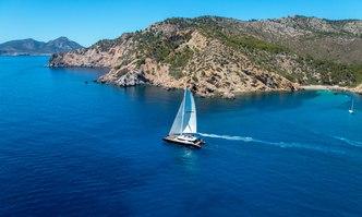 Mashua Bluu yacht charter Yachts Industries Motor Yacht