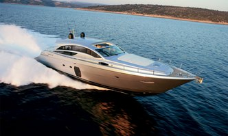 T2 yacht charter Pershing Motor Yacht