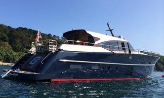 Level 8 yacht charter Navalia Motor Yacht