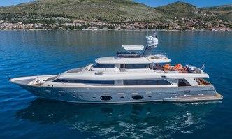 Seventh Sense yacht charter Custom Line Motor Yacht