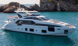 Akama yacht charter Azimut Motor Yacht