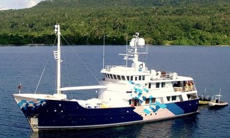 Dardanella yacht charter Vitters Motor Yacht