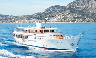 Malahne yacht charter Camper & Nicholsons Motor Yacht