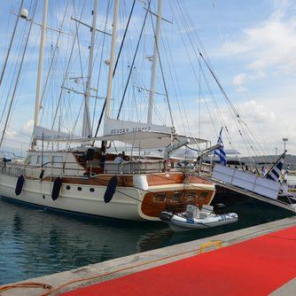 Sailing yacht in Nafplion