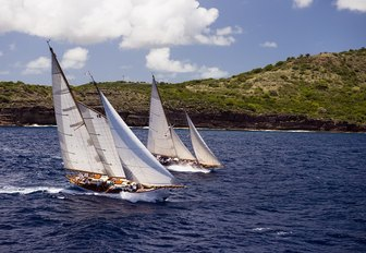 Chase the race: why you have to charter at The Antigua Classic Yacht Regatta photo 5