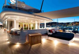 The top 5 must-see charter yachts at the Superyacht Show 2019 photo 18