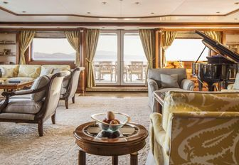Charter Yacht TITANIA Reduces Weekly Base Rate For Winter Vacations photo 2