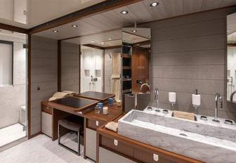 superyacht x en suite bathroom
