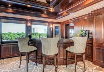 skylounge corner bar aboard superyacht SOVEREIGN