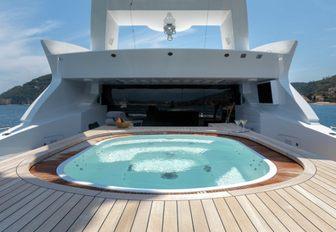spa pool on the sundeck of luxury yacht MYSKY
