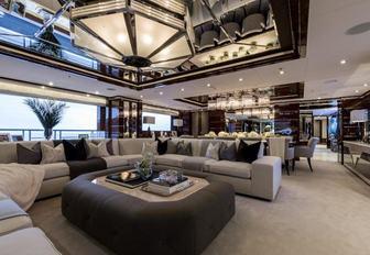 The impressive main salon of luxury yacht 11/11