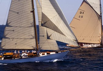 Chase the race: why you have to charter at The Antigua Classic Yacht Regatta photo 6