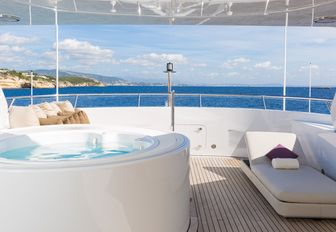 spa pool on board motor yacht GO