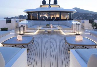 10 Of The Best Superyachts Available For Winter Holiday Charters photo 19