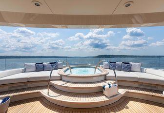 hasna yacht jacuzzi pool and sunpads