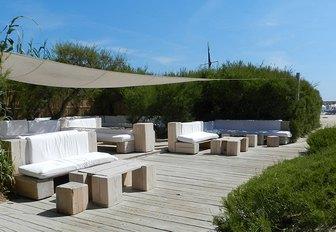 9 of the best Mediterranean beach clubs to visit by superyacht photo 14