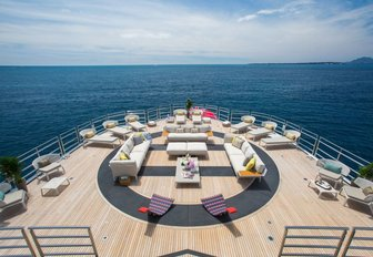 7 of the best superyachts still available for Thanksgiving 2019 yacht charters photo 28