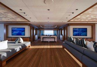Inside luxury yacht LANA: One of the world's largest charter yachts photo 2
