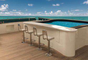 swim-up Jacuzzi on board superyacht MEIRA