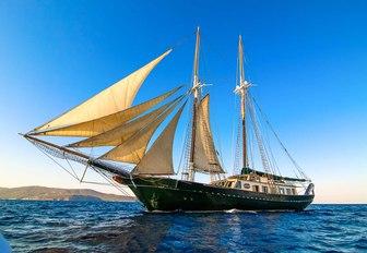 luxury gulet ARKTOS undertaking a charter vacation in Greece