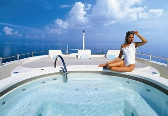 yacht lady michelle from below deck jacuzzi