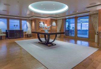 VIDEO: Experience a yacht charter vacation on board Lurssen superyacht 'Bella Vita' photo 7